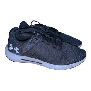 Under Armour Women's Black & Grey Runners Size 8.5